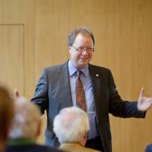 Alumni im Dialog mit Rektor Wolfram Ressel